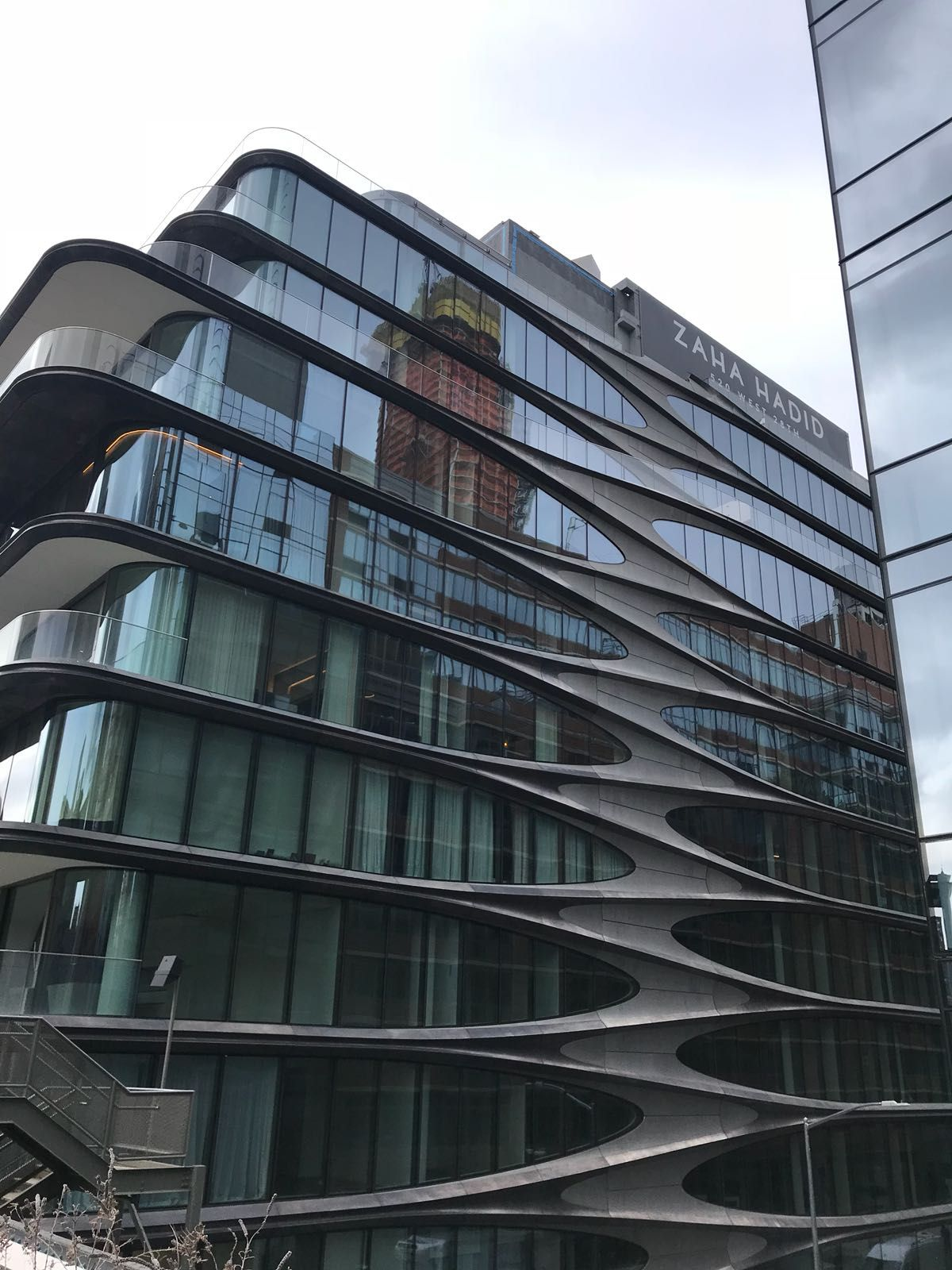 New York S Zaha Hadid Residence A Palace Of Curves And Style