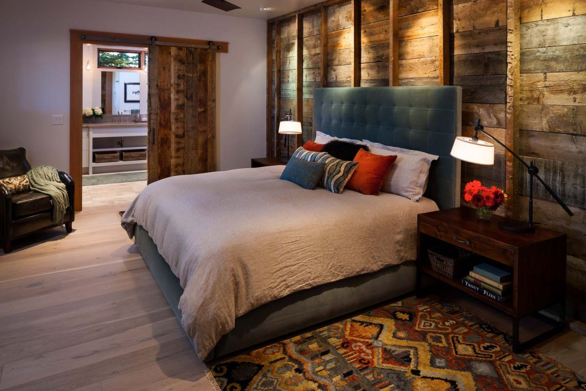 How A Wood Wall Can Influence A Space\'s Decor And Ambiance