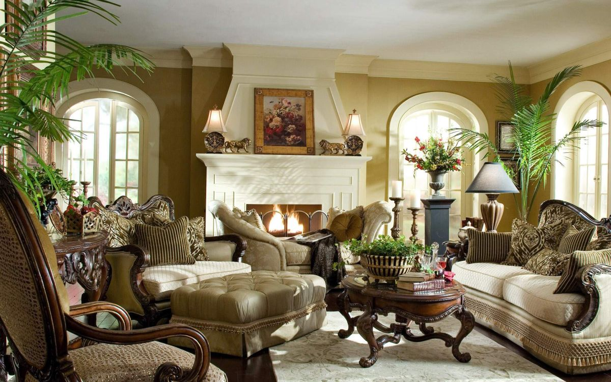 Luxury living spaces should include plants of different heights and sizes for more interest.