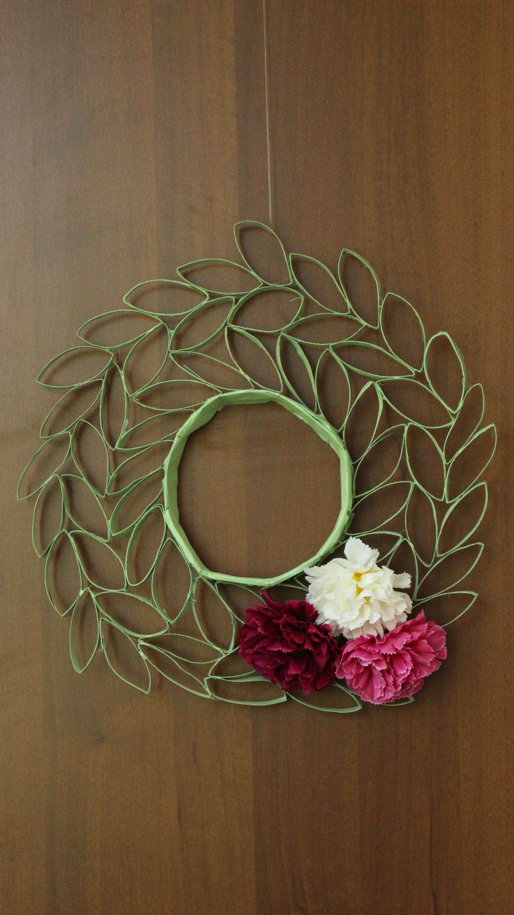 How To Make A Wreath From Toilet Paper Rolls