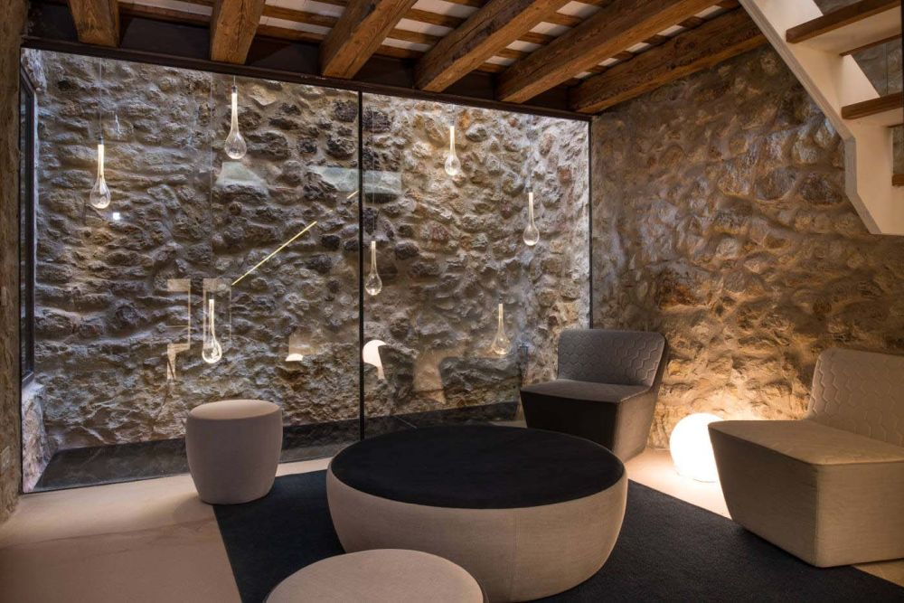 Stone Wall Interior Design