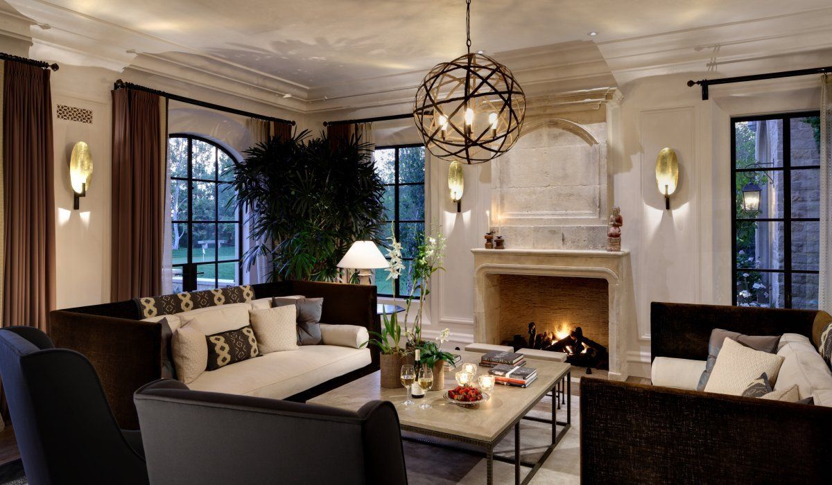 Los angeles a list clients fuel business for best interior for Interior designers los angeles