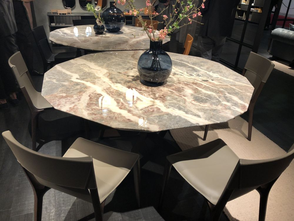 View In Gallery A Classically Beautiful Marble Table ...