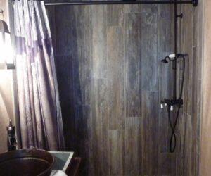 25个木材砖淋浴为您的浴室18新利在线下载