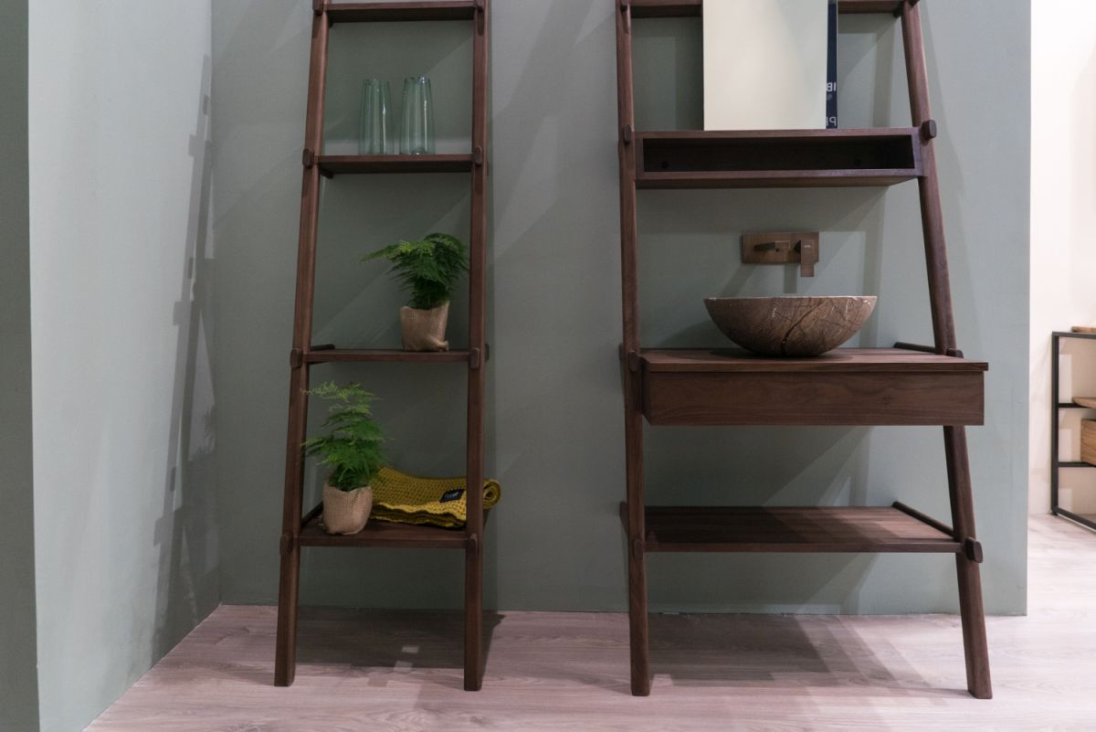 This type of shelving units can be combined into larger units or can be used as standalone pieces