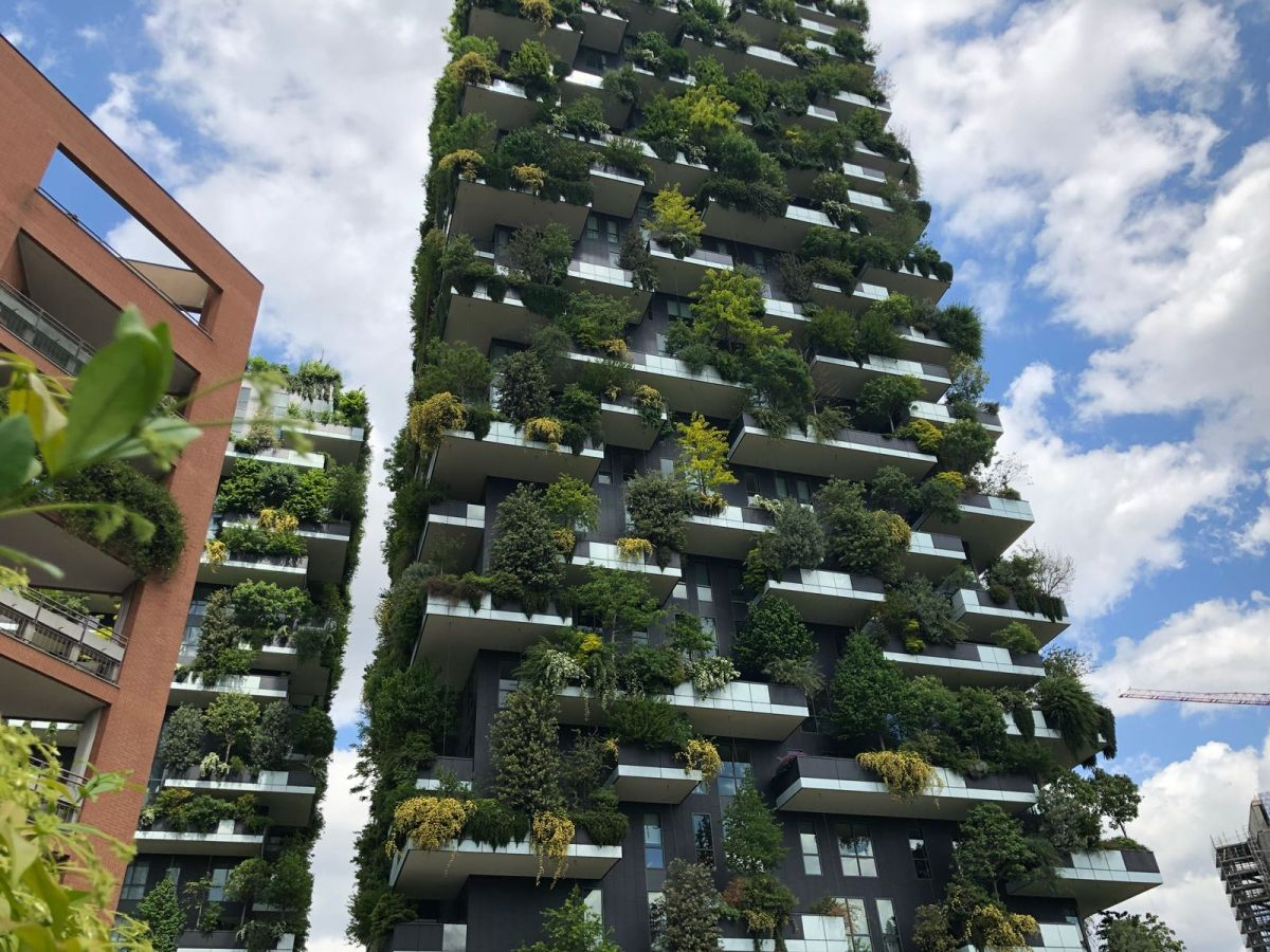 On November 19th 2014 the Bosco Verticale project won the International Highrise Award