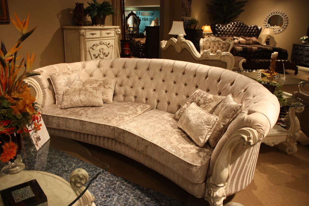 Sofas Styles To Fit Every Type Of Decor