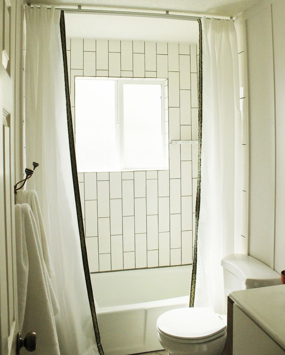 How To Clean Bathroom Tile: 10 Basic Tips On How To Clean Bathroom Tiles And The