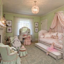 Green princess room daybed with trundle