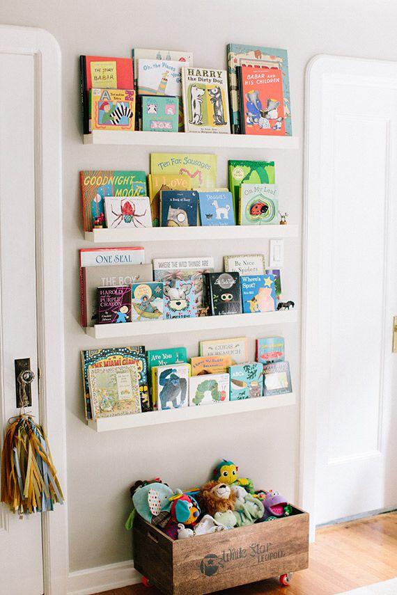 Nursery bookshelf ideas with cute and playful designs for Cute bookshelf ideas