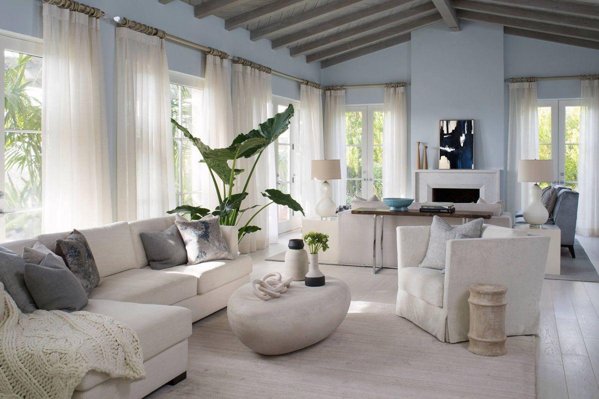 Modern living room beach style