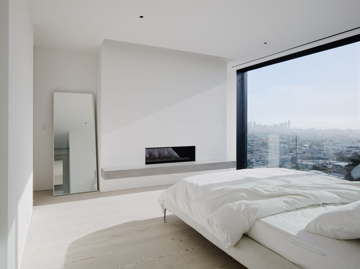 The views are an important part of the interior design of the rooms. The master bedroom has this huge panorama window that's simply amazing