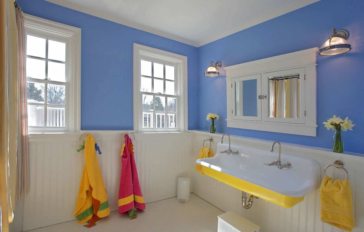 How Beadboard Bathroom Walls Can Make This Space Feel