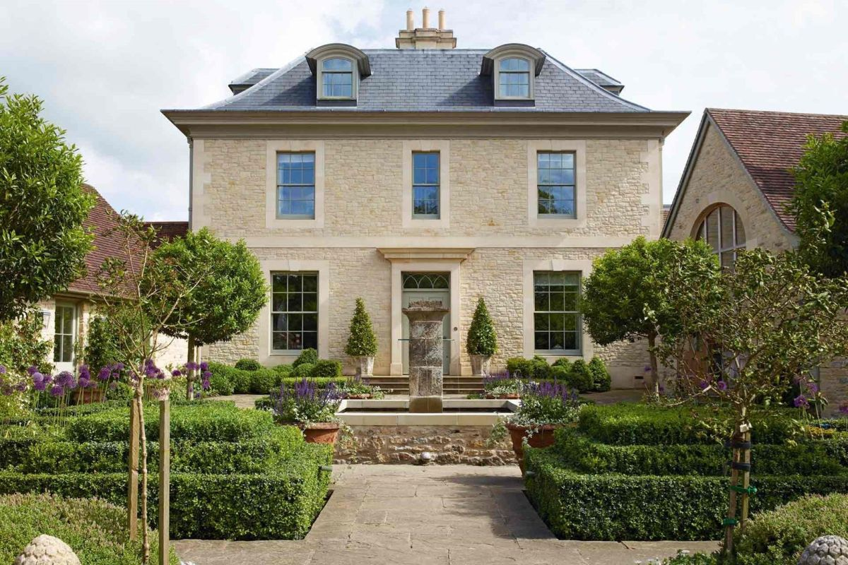 Everything you need to know about georgian style homes for Georgian new build