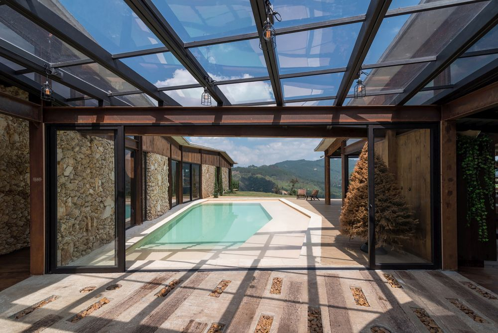 Skylights and glass ceiling sections serve to bring the spaces even closer to nature and to their surroundings