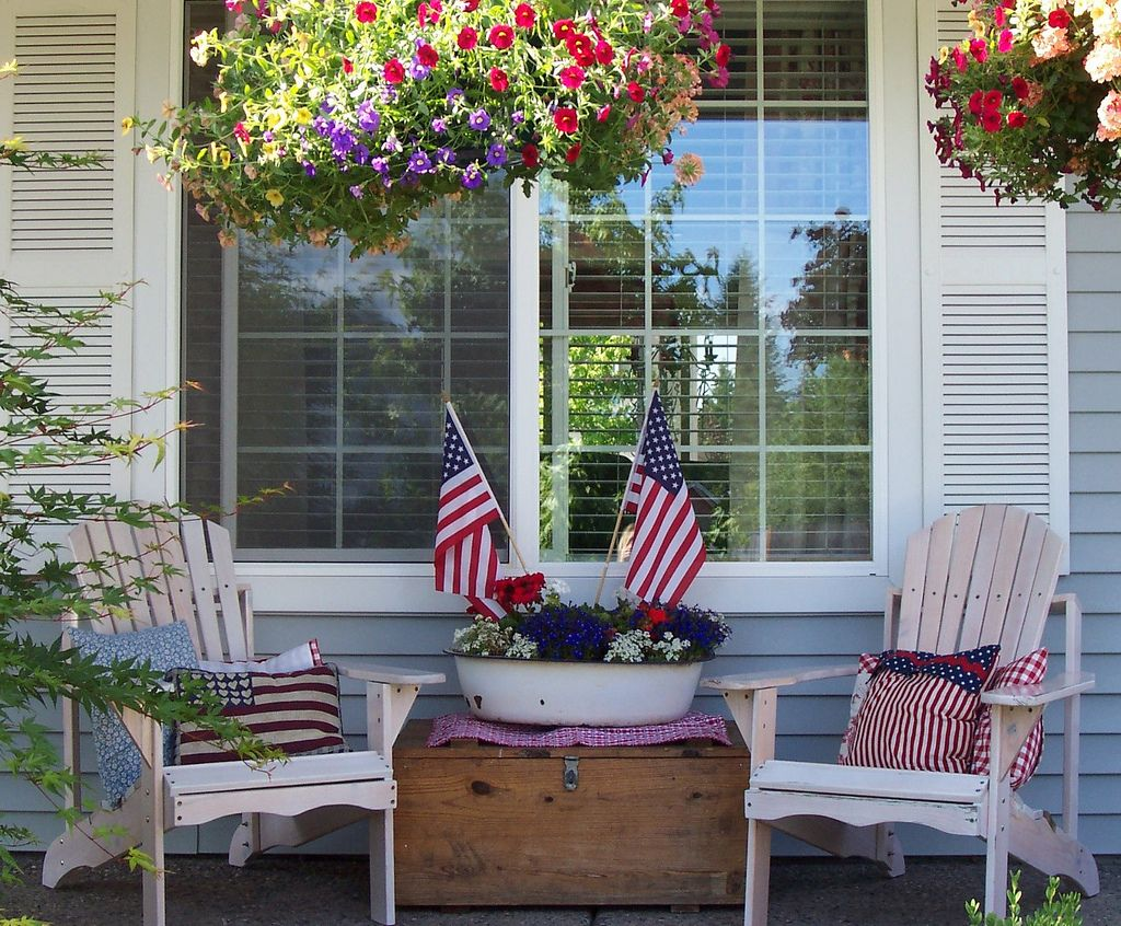 Patriotic Porch Decor Ideas For The 4th Of July Last