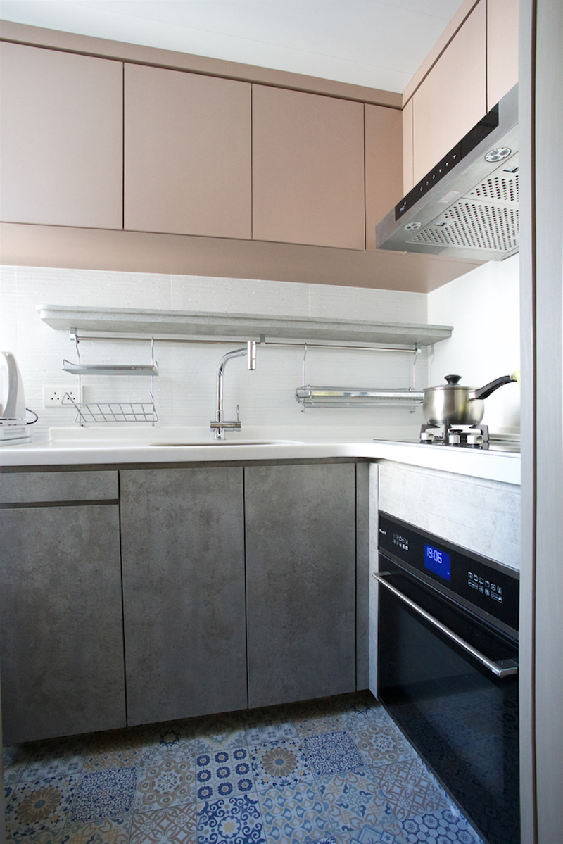 The kitchen is unusually common and doesn't feature curved cabinetry like the social area does