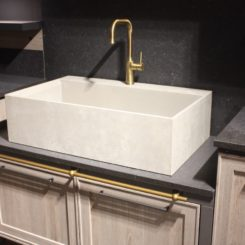 Ar Tre Farmhouse sink