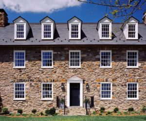 Colonial home stone pattern