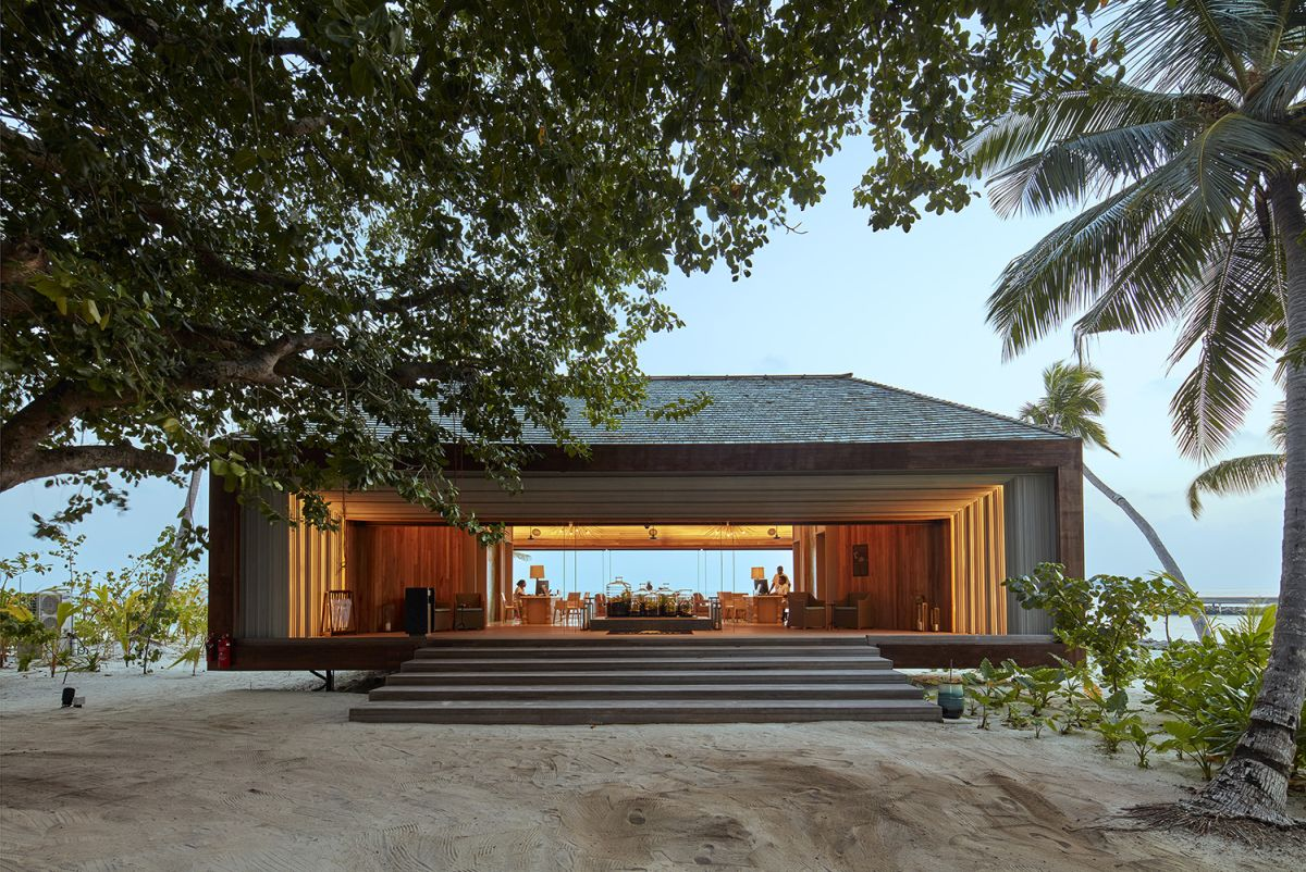 The resort combines contemporary architecture and local influences, the result being a very harmonious blend