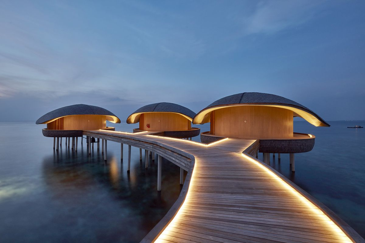 The overwater spa is very tranquil, serene and relaxing but more than that it's a spectacular set of villas