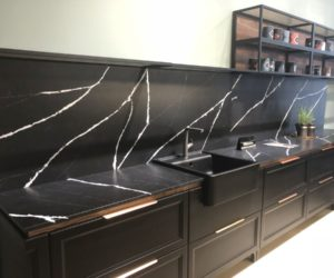 Sophisticated Kitchen Designs With Black Countertops