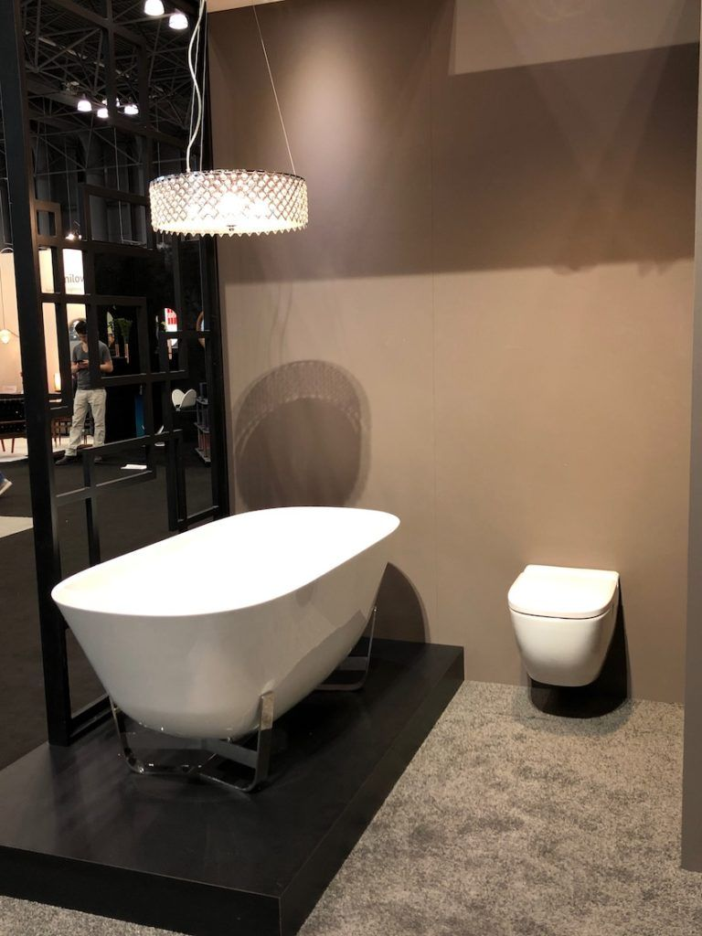 Freestanding tubs are currently very popular.