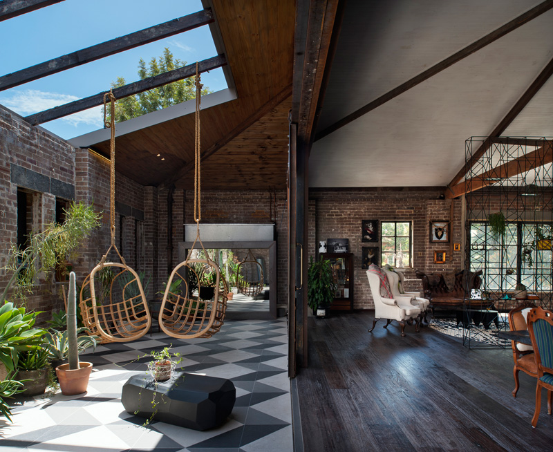 Amazing warehouse homes and their unique stories - Warehouse turned into home ...