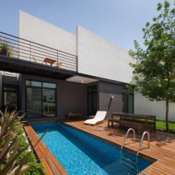 Bakcyard small pool and deck around