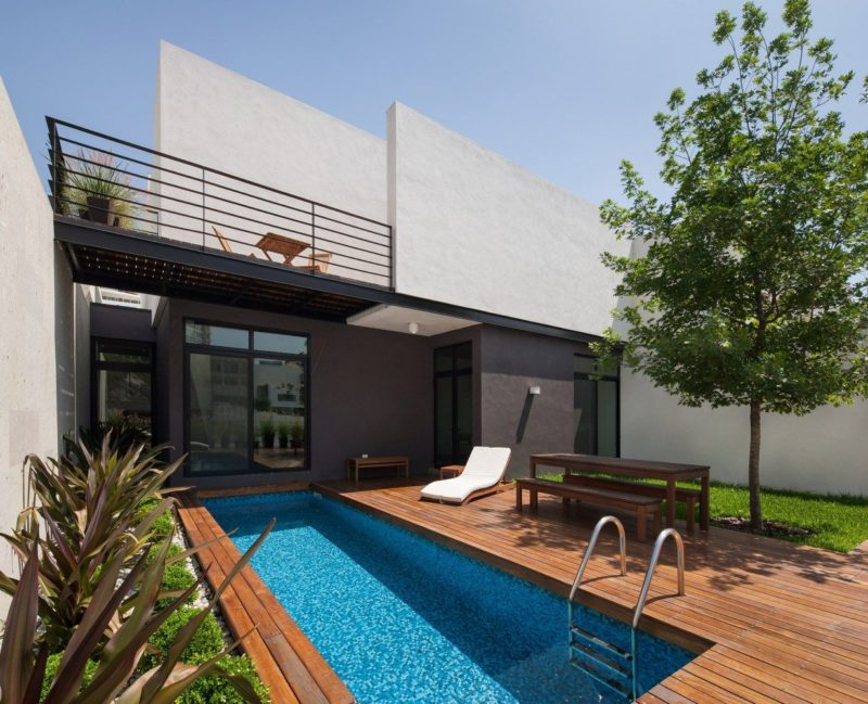 Modern Pool Deck Designs That Perfectly Complete Their Homes
