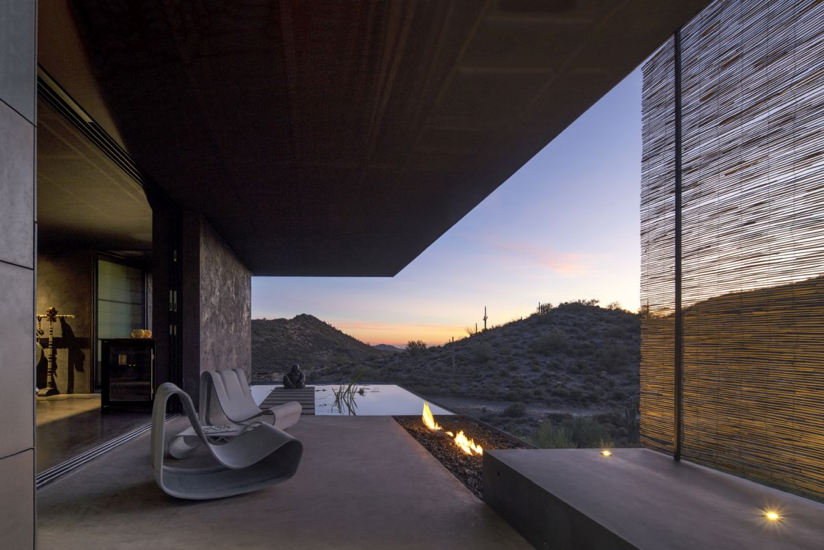 The residence offers panoramic views of the Phoenix Valley to the west and the mountain ranges to the south
