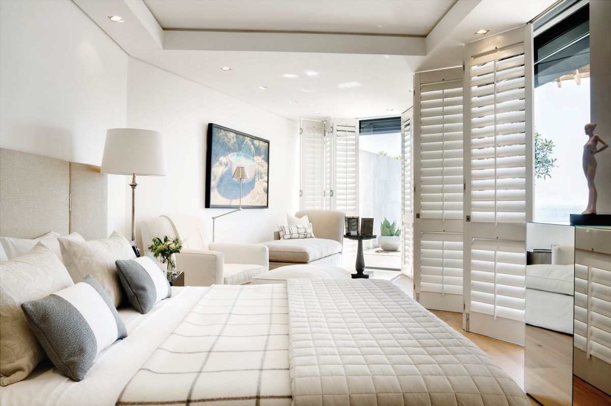 The master bedroom suite is spectacular and has an exceptionally airy and fresh decor based mainly on light colors