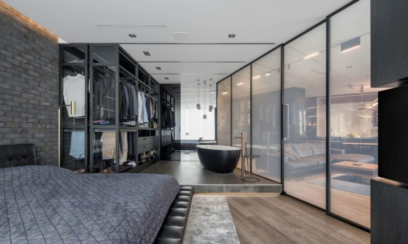 A Modern Bachelor Pad With Smart Gl E Dividers