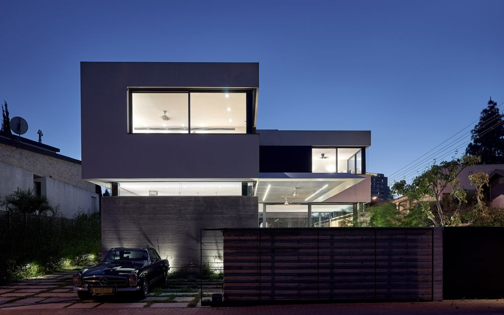 The unusual visual distinction between the two floors is also visible at night and the effect is quite dramatic