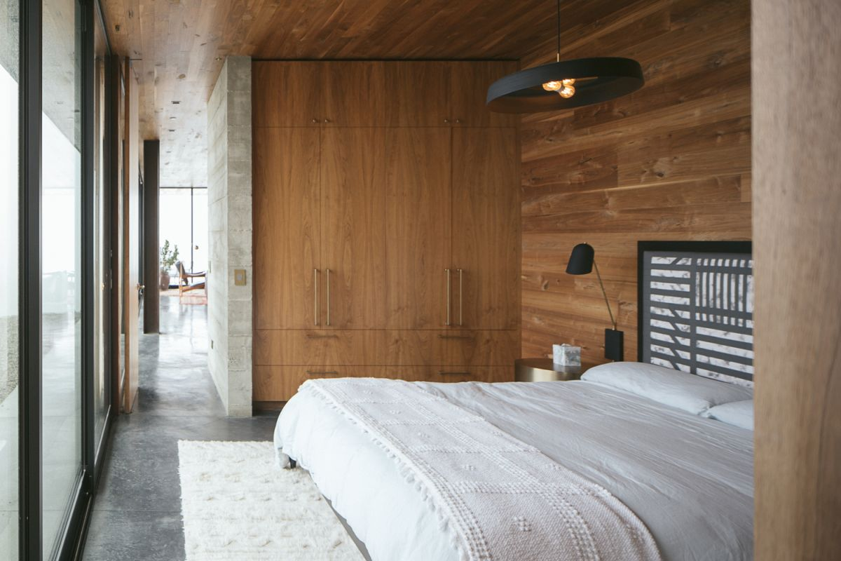 Rich walnut wood was used extensively inside, making the space feel extra warm and cozy