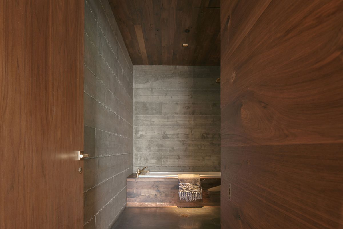 Live edge wood is a constant throughout the interior design, being introduced in a variety of different forms