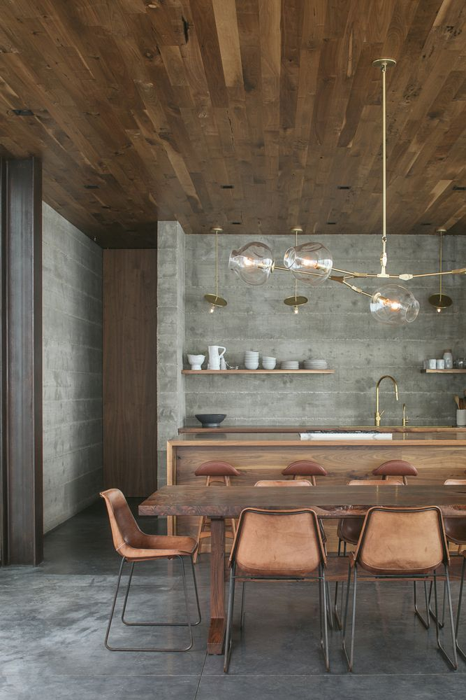 The interior design is rich, warm and welcoming but also has a slight rustic-ndustrial allure