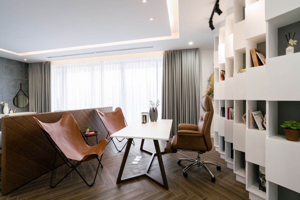 Leather Butterfly chairs are being used throughout the residence in various different spaces