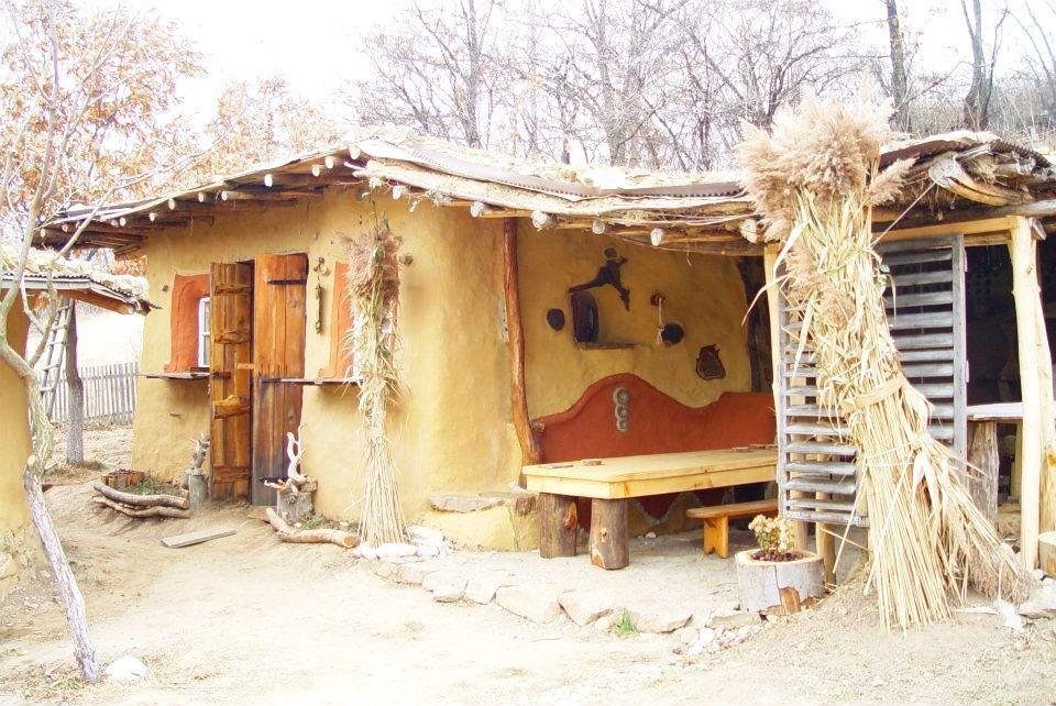 Unique Alternative Housing Options That Are Eco Friendly