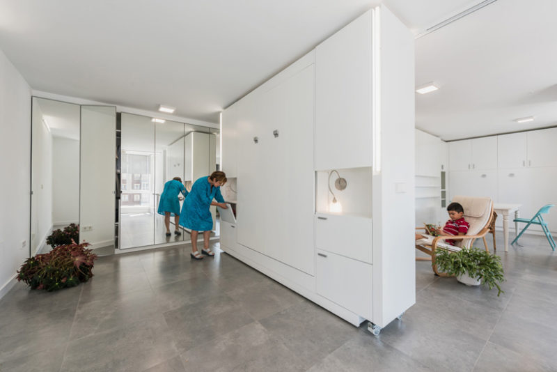 A Rotating Wall Allows This Apartment To Change Its Layout In Minutes