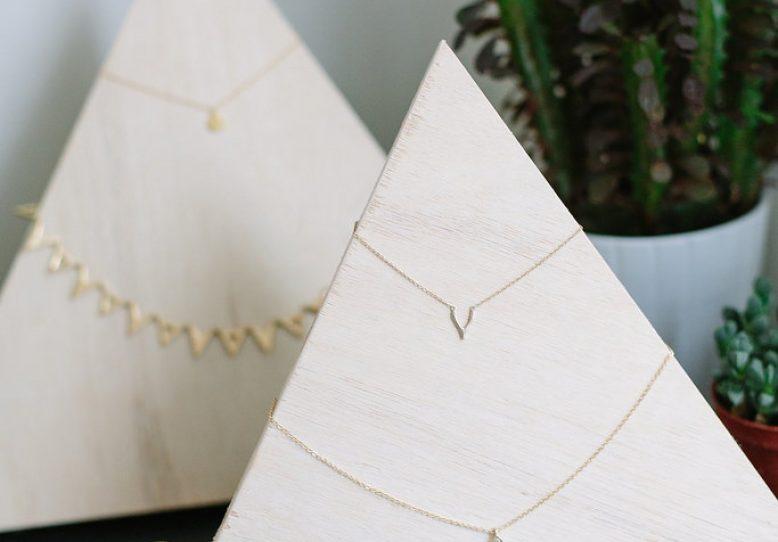 Miniature pyramid jewelry holders