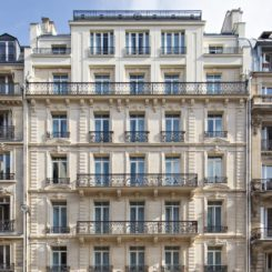 Le Belleval is in a renovated Haussmann building.