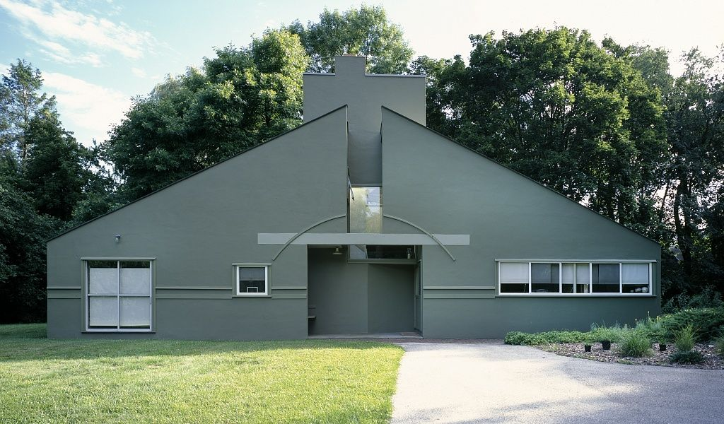 The Vanna Venturi House