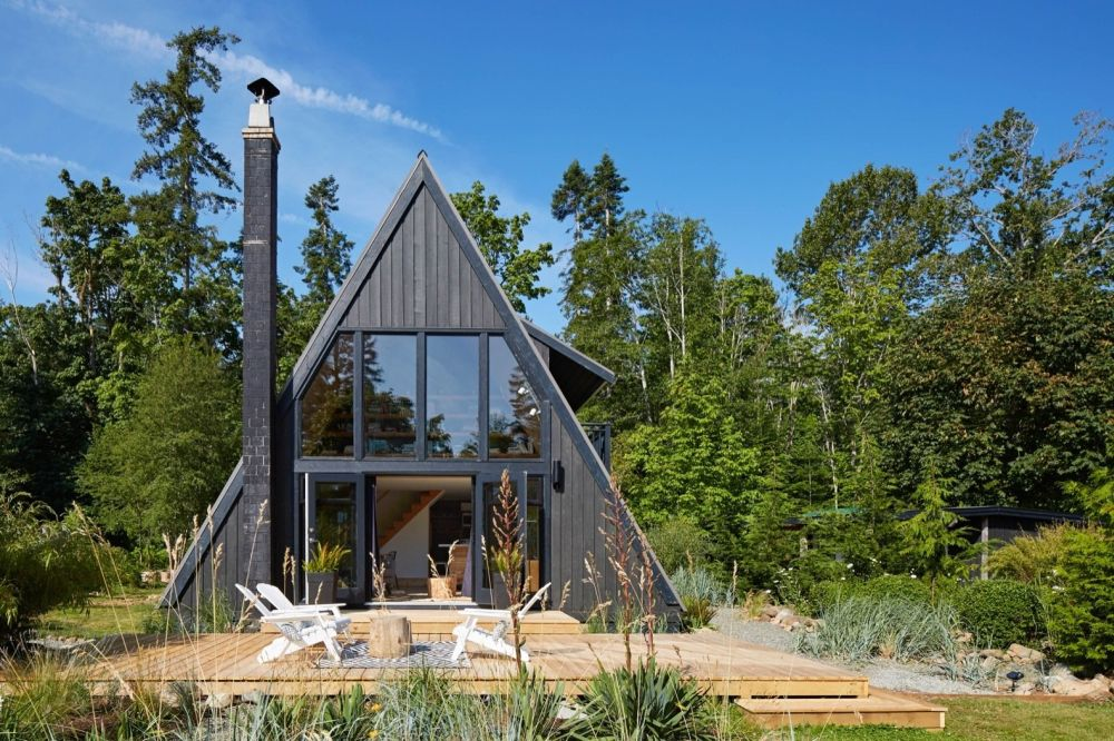 Once a dilapidated and forgotten seaside cabin, this became a warm and welcoming family retreat