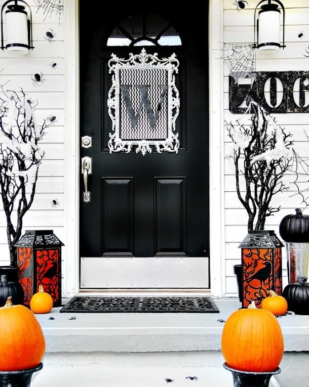 Spooky Door Decorations For Halloween  from cdn.homedit.com