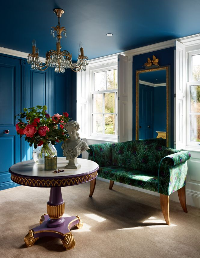10 Ways To Decorate With Peacock Blue