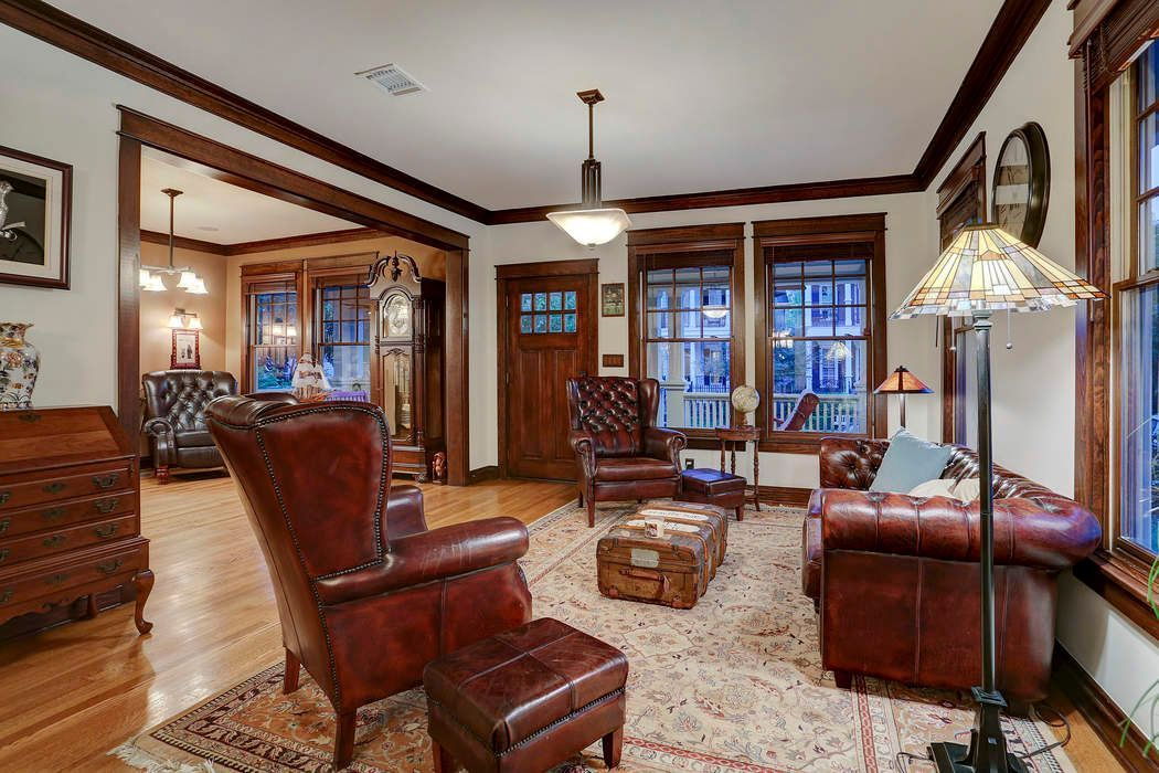 craftsman home interior old craftsman style home retains its charm after more than 100 years 7952