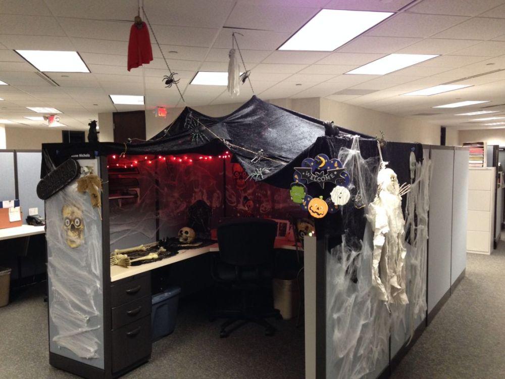 Fun And Spooky Halloween Office Decor Ideas