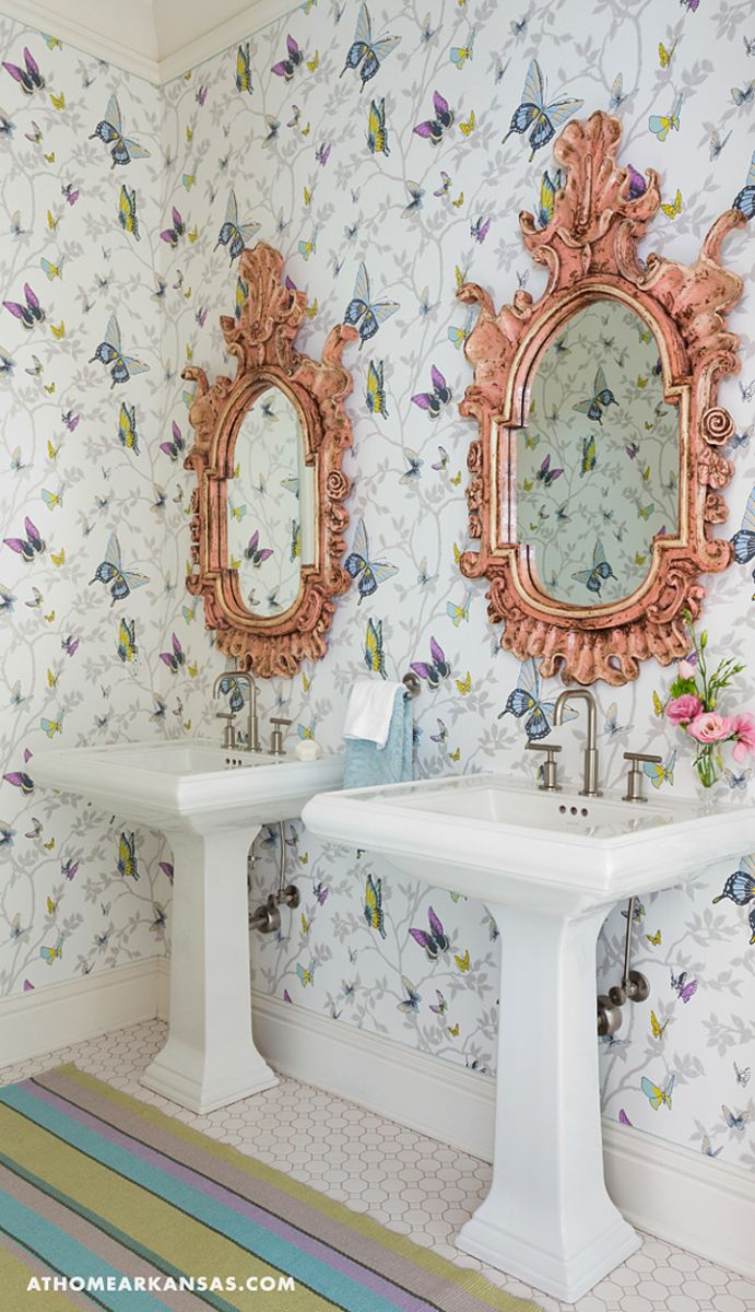 How Bathroom Wallpaper Can Help You Reinvent This Boring Space