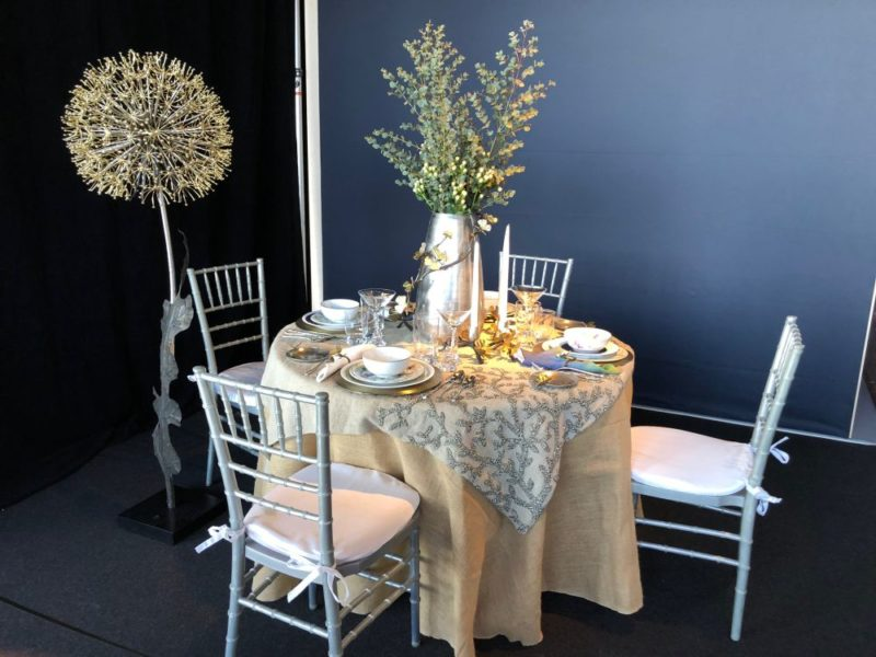 Creative Dining Table Centerpiece Concept To Welcome and Impress Your Guests